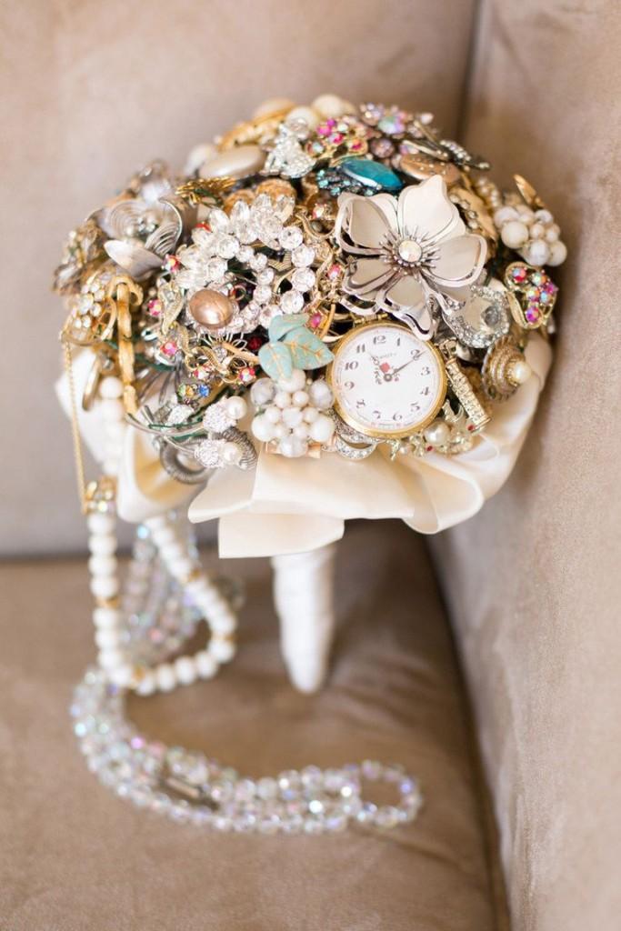 Something borrowed antique brooch bouquet weddingcandles.ie