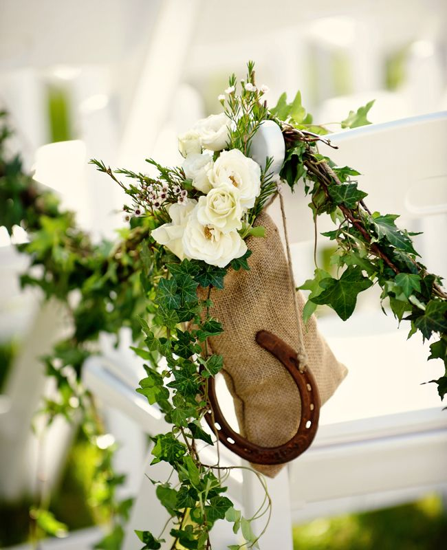 Irish wedding traditions lucky horseshoe weddingcandles.ie
