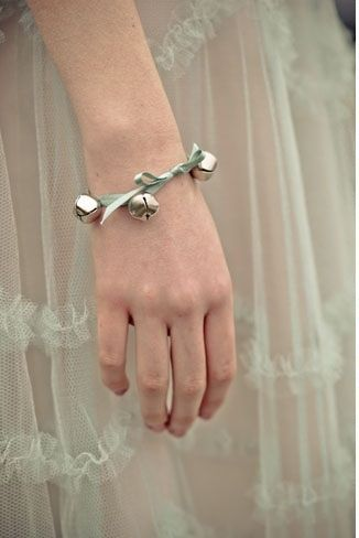 Irish wedding traditions silver bell weddingcandles.ie