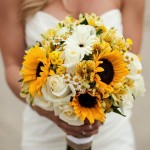 Budget wedding tips flowers