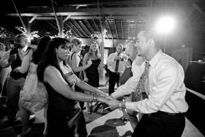 Budget wedding tips band music