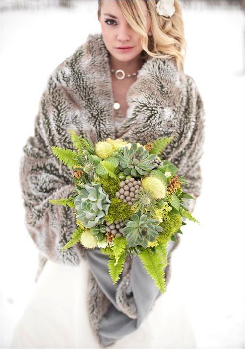 Winter wedding tips faux fur cape