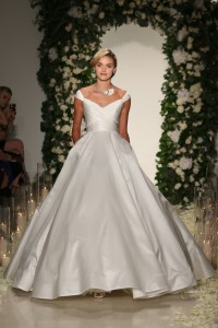 Bridal fashion week trends fall 2016 off the shoulder